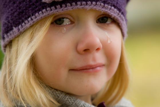 子供泣き顔