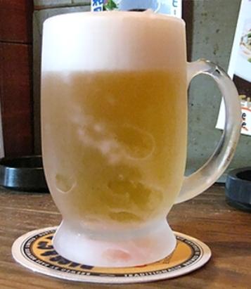 凍ったグラスにビール
